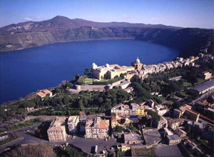 Castel Gandolfo and lake