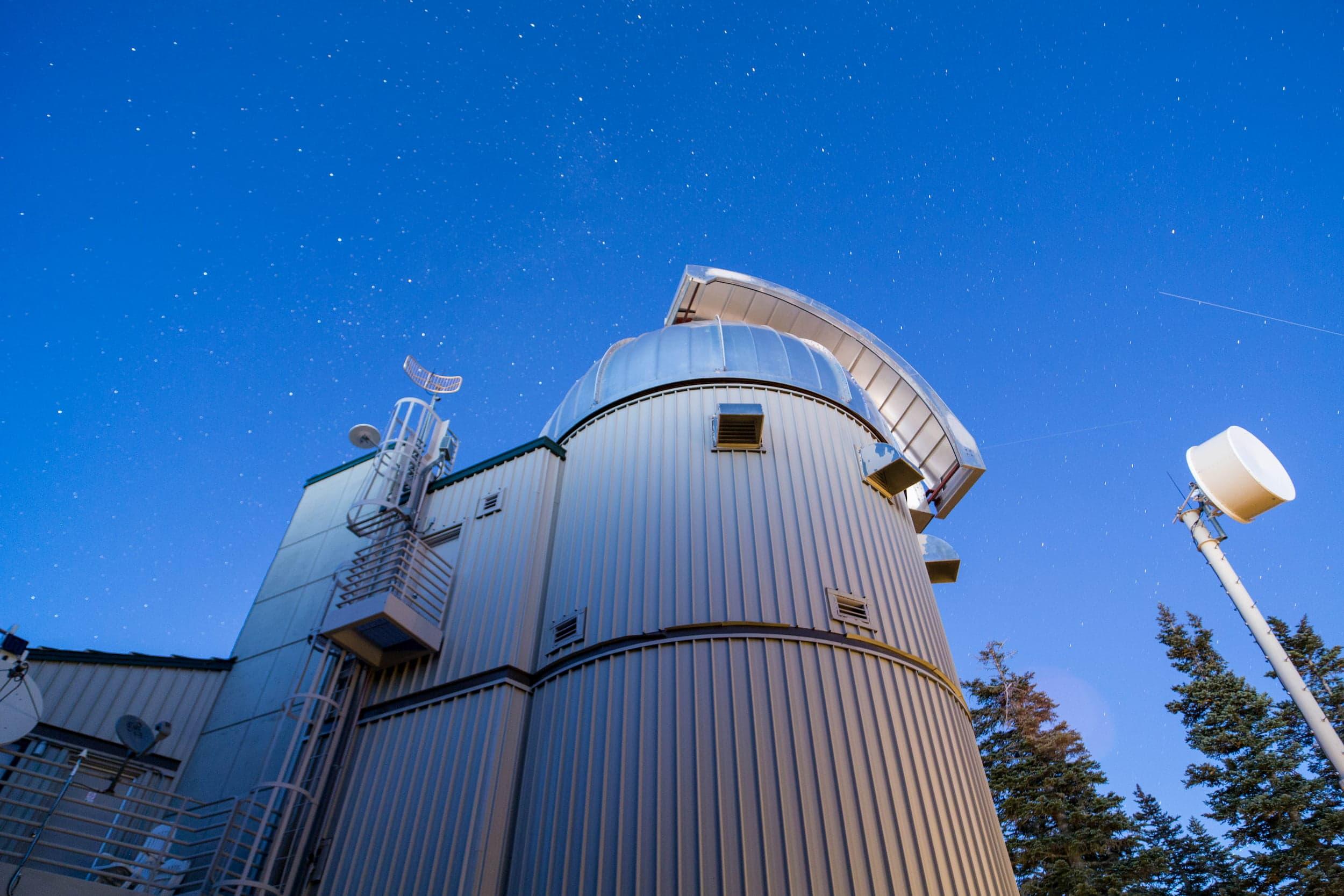 Vatican Advanced Technology Telescope (VATT) at Dusk