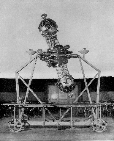 1933 photograph of the Zeiss II Planetarium Projector used from 1930 to 1969 at the Adler Planetarium in Chicago. This projector was replaced by a Zeiss VI in January of 1970. (Image Sources: Adler Planetarium and Friends of the Zeiss)