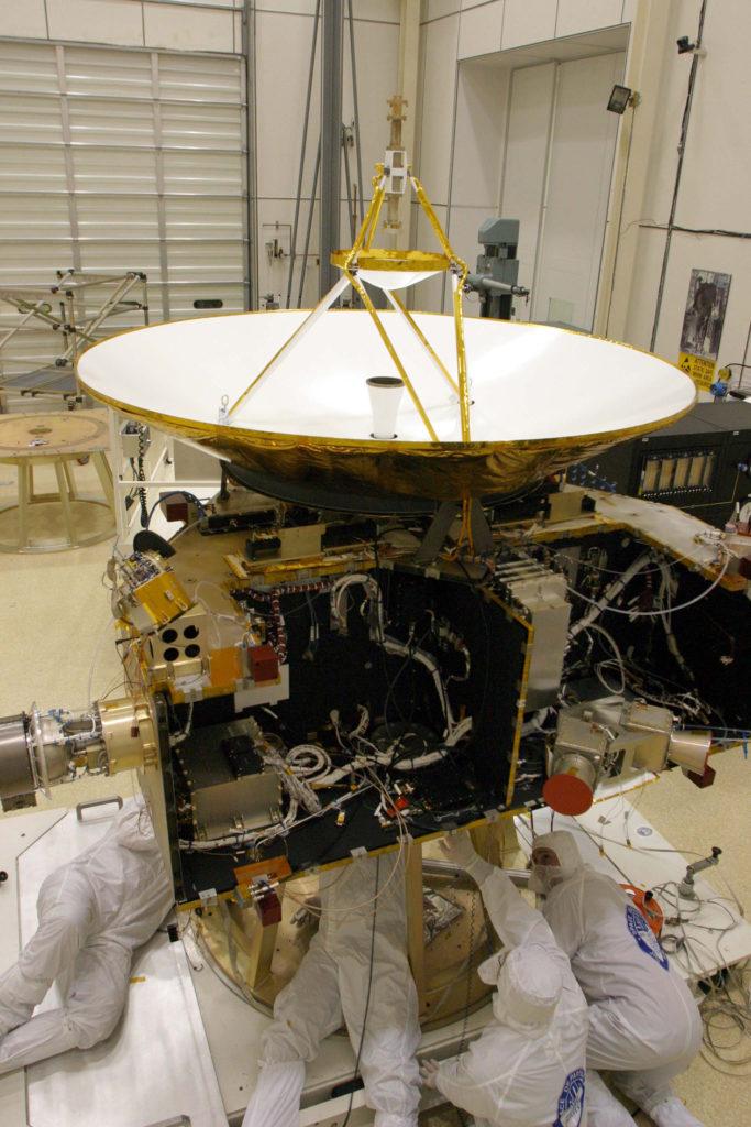 New Horizons Antenna Fit Check, 2005