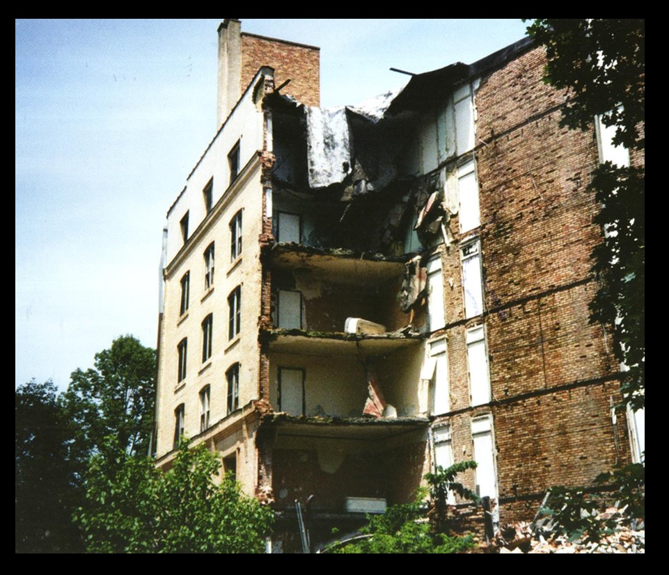 The collapsing West Baden Hotel building—1991.